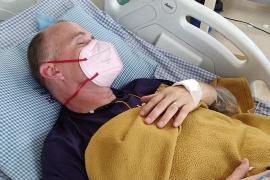 Una cobra dejó ciego y paralítico a un médico que estaba luchando contra el coronavirus