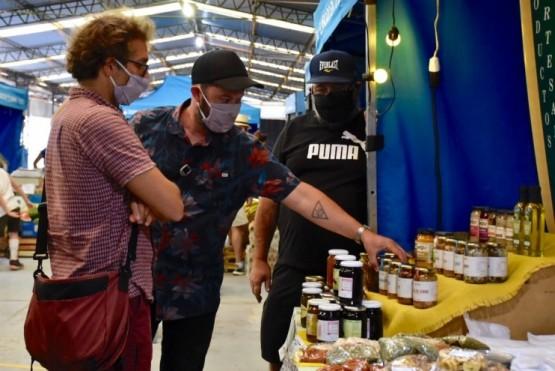 Trelew| La feria municipal impulsa alianzas para intercambiarproductos locales con la comarca