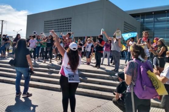 Trelew| Diputados nacionales y provinciales del Valle dicen #NoalaMegaminería