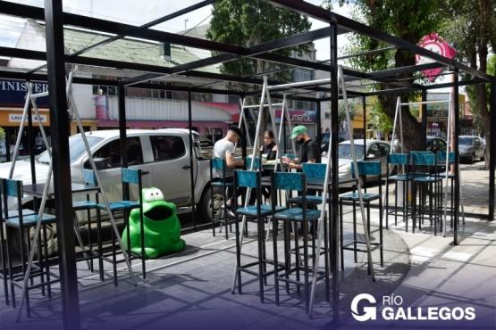 Río Gallegos| Las mesas en las veredas llegaron para quedarse