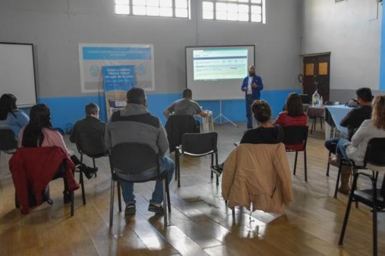 Río Gallegos| Promotores de los cenines municipales participaron de una charla que brindó la firma Camuzzi