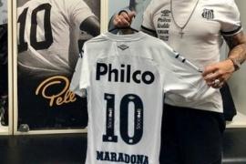 El Santos, homenajeó a Diego Armado Maradona
