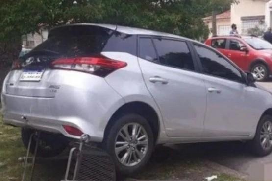 Atropelló y mató a su esposa cuando sacaba el auto del garage