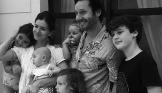 El posteo de Benjamín Vicuña en su cumpleaños reunido con toda su familia ensamblada.