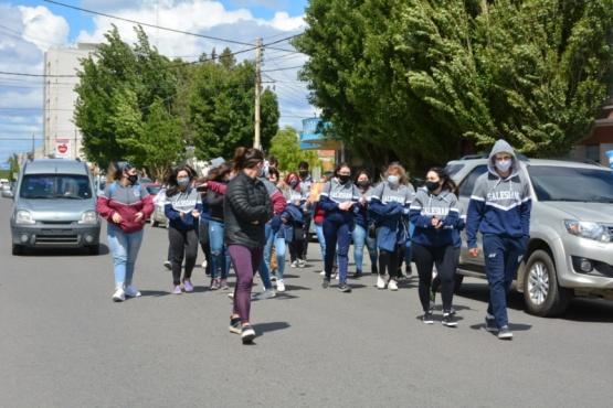 Los estudiantes se movilizaron hasta Casa de Gobierno.  (C. Robledo)