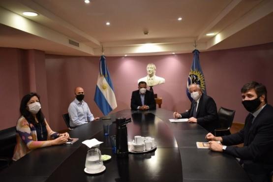 Gobierno de Santa Cruz se reunió con el Embajador de Chile en Argentina
