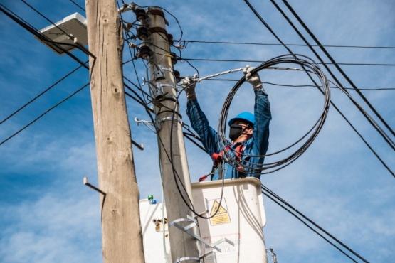 La SCPL avanza con el tendido de fibra óptica en un sector de la Zona Sur de Comodoro
