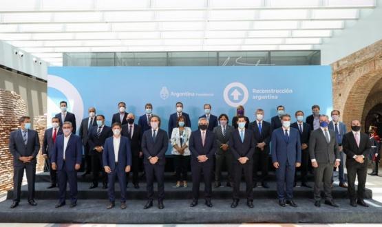 El Presidente Alberto Fernández firma el Consenso Fiscal 2020 con las provincias