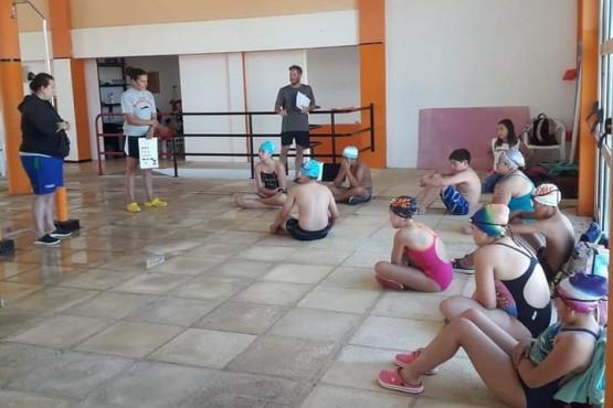 Encuentro de alumnos de natación