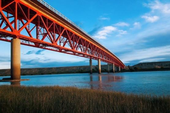 Icónico puente de Piedra Buena.