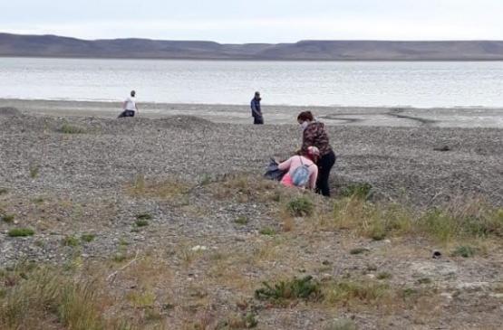 Río Gallegos | La Agencia Ambiental colaboró con limpieza en la costanera