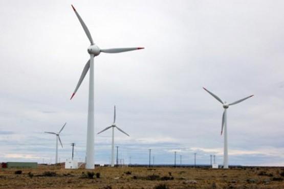 El proyecto en el Artículo 10 indica que el Instituto de Energía de la Provincia de Santa Cruz, como Autoridad de Aplicación de la presente ley, dispondrá de los mecanismos y normas reglamentarias para asegurar el cumplimiento de la presente.