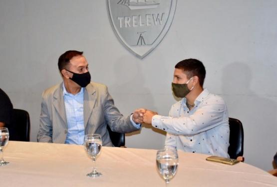 Maderna acompañó a Matías Montesino en la presentación de su pelea por el título FIB