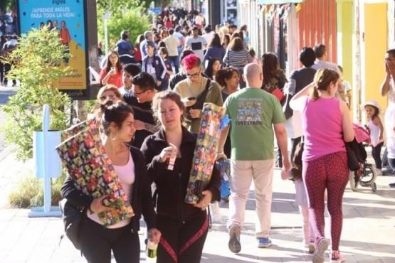 Comerciantes: Gallegos Feliz, el aguinaldo y la espera por la vacuna que tranquiliza, pero no será la solución