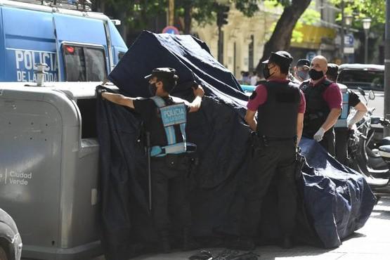 Horror: Cartonero encontró un bebé muerto en un contenedor de residuos