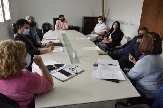 Río Gallegos  Salud Municipal y UNPA articulan estrategias de vacunación en Covid