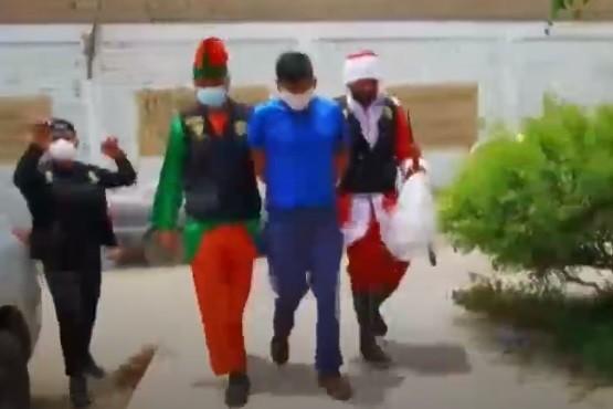 Insólito operativo contra los narcos con Papá Noel y un elfo
