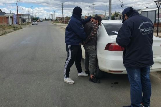 El tercer detenido fue encontrado en los barrios nuevos.
