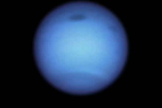 Vórtice oscuro en Neptuno cambia de dirección en un fenómeno nunca antes visto