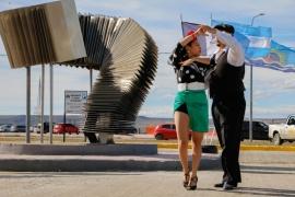 Río Gallegos  Se inauguró el Monumento al Tango en la costanera