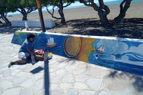 Rawson| Talleristas comenzaron a recrear la historia de Playa Unión en los muretes