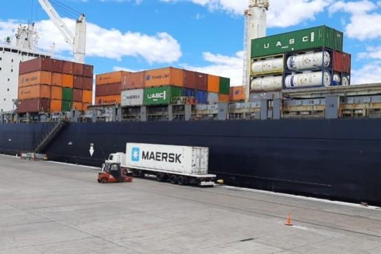 Puerto Madryn| Por primera vez en el Muelle Storni amarró un buque portacontenedores de gran tamaño