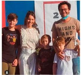 Pampita explicó su comentada postal familiar junto a Benjamín Vicuña