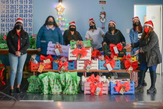 Río Gallegos| CENIN 5: Se entregaron setenta canastas navideñas