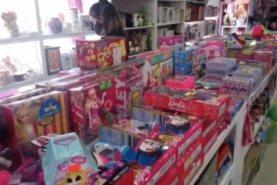Río Gallegos| Previo a la Nochebuena: Largas filas en comercios para comprar el regalo navideño