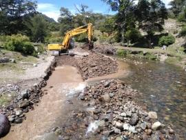 Vialidad Provincial continúa con la construcción de dos puentes estratégicos