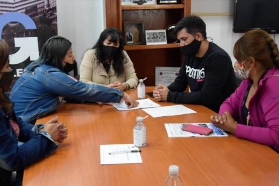 Río Gallegos| Paola Costa recibió a integrantes de la junta vecinal del barrio José Font