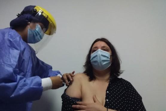 Dos funcionarios de Salud fueron los primeros en vacunarse en Río Gallegos