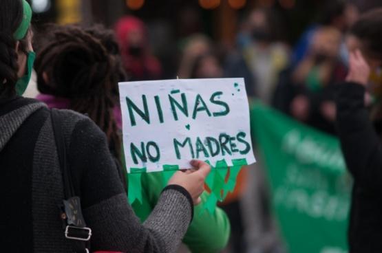 En Río Gallegos hubo vigilia por el aborto legal. (Leandro Franco)