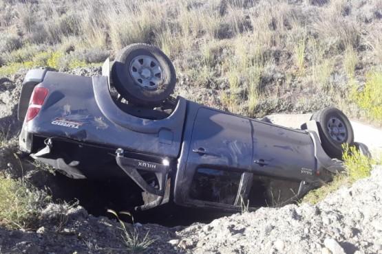 Volcó una camioneta en la Autovía 17 de Octubre en Río Gallegos