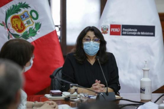 En Perú los cambios de gobierno han retrasado la compra de vacunas contra la COVID-19