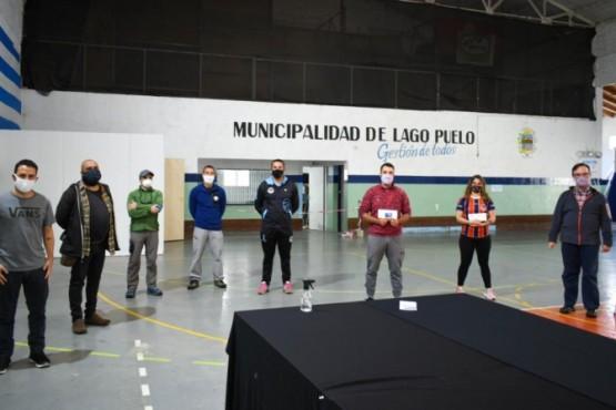 Lago Puelo| Entregaron 500 mil pesos a los clubes deportivos