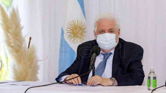 Ginés reiteró que solo el 1 por ciento de los vacunados observó efectos adversos leves