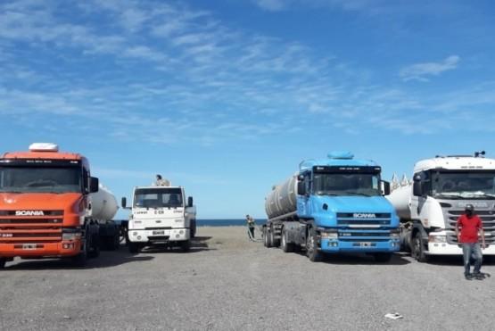 Desde SPSE agregaron que en Cañadón Quintar se dispuso una cisterna de 500 mil litros con un nuevo pozo, que proveerá a las industrias para descomprimir la red en la ciudad y mantener la actividad económica.