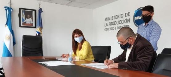 Santa Cruz  Entregaron equipamiento para el desarrollo tecnológico
