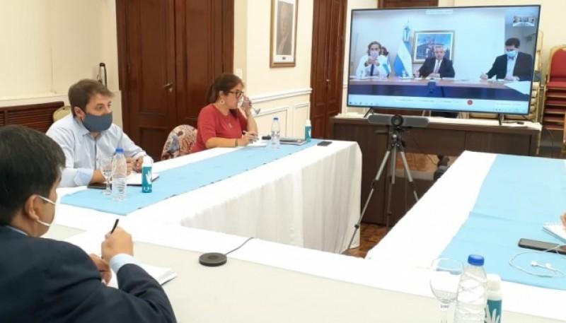 Están presentes el Vicegobernador Eugenio Quiroga y el Ministro de Salud de la Provincia, Claudio García.