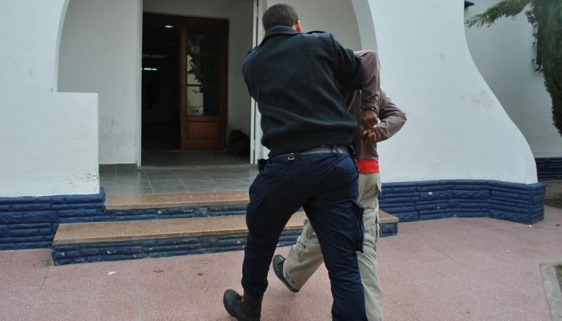 El bailarín desde la tarde de ayer se encuentra detenido.