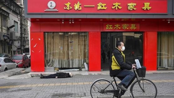 China prohíbe a 11 millones de personas salir de una ciudad por un gran rebrote