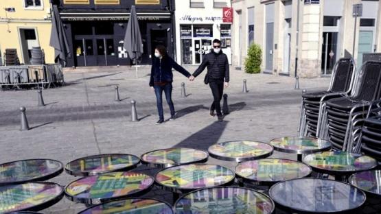 España aumenta restricciones por el coronavirus pero descarta un confinamiento