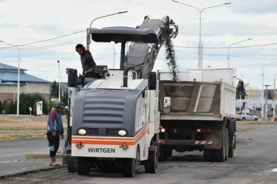 Río Gallegos| Continúan las tareas de fresado en la Avenida San Martín