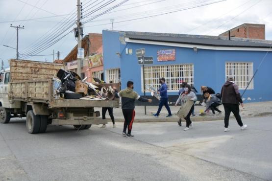 Río Gallegos| Se realizó operativo de limpieza en el Barrio Evita