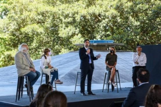 Escritores de Chubut en las colecciones literarias que se enviarán a las escuelas del país