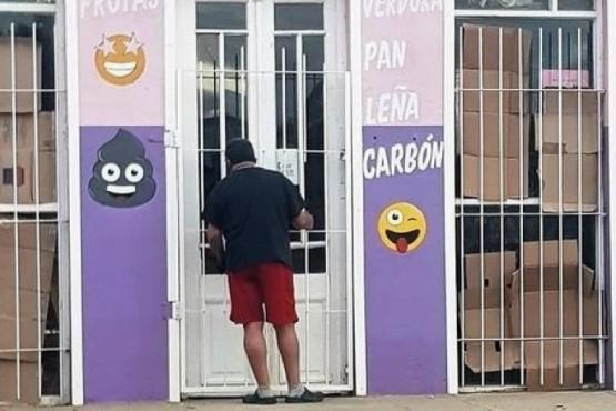 Los delincuentes pusieron un kiosco en el local usurpado