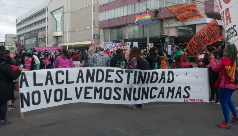 Aquel 30 de diciembre hubo vigilia en Río Gallegos, como en todo el país, por la despenalización del aborto.