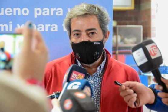 """Dr. Rodríguez: """"Hay que desmitificar la vacuna"""""""