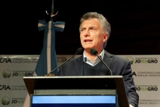 Macri volvió a cuestionar a gremios por clases